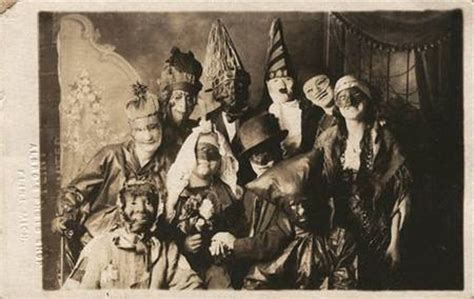 creepy vintage halloween costumes from between the 1900s