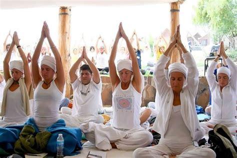 imagenes yoga kundalini what is kundalini yoga aya