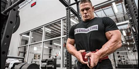 how much can john cena bench john cena savvy strength