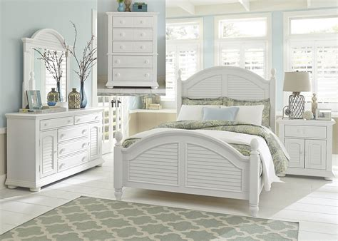 white queen bedroom set summer house oyster white queen poster bedroom set 607 br