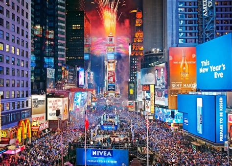 are there bathrooms in times square on nye new years eve in times square updated 2013 2014 walks