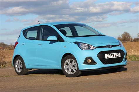hatchback hyundai hyundai i10 hatchback 2014 photos parkers