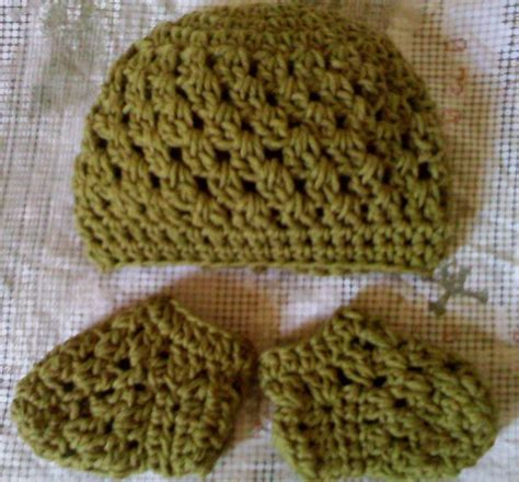 crochet pattern galore crochet patterns galore baby granny beanie and sockies set