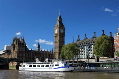 party boat uk summer boat party tickets 4 hour parties from 163 40