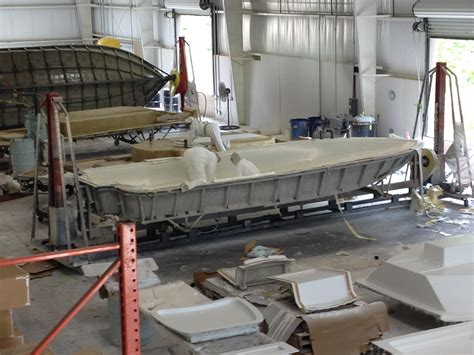 yellowfin boats factory location yellowfin factory pics new plant for inshore rigs the