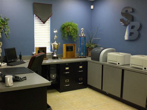 gambar layout front office 820 blackburn drive