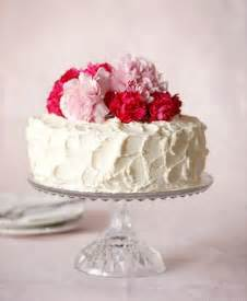 How To Decorate A Cake At Home Easy Decorate A Simple Wedding Cake Handmade Wedding