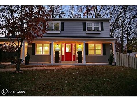 blue house with red door 17 best images about house color on pinterest exterior colors red front doors and