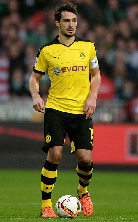 Mats Hummels To Utd by Club Ceo Suggests United S 163 20m Defender Target Is