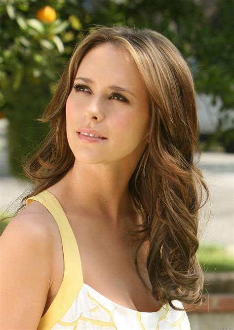 jennifer love hewitt haircolor on ghost whisperer carolina belle july 2010