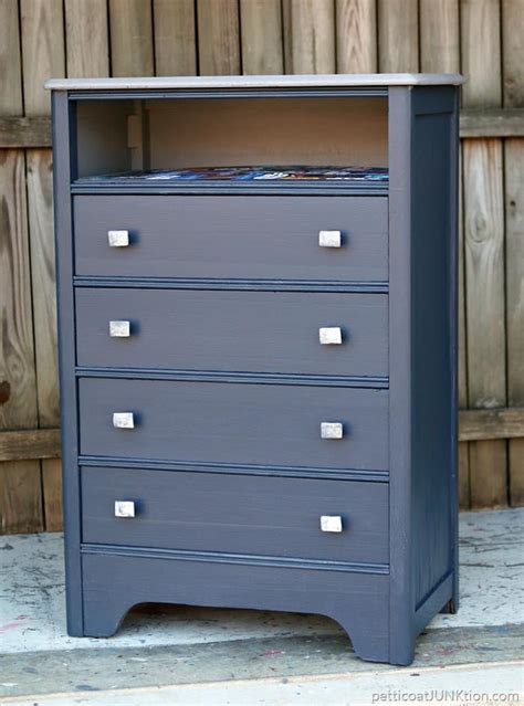 Top Coat For Painted Furniture by Yes I Use Gray Primer As A Top Coat Call Me A Rebel Petticoat Junktion
