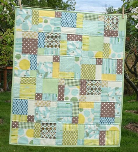 Disappearing 9 Patch Baby Quilt Pattern by Cluck Cluck Sew Nicey Disappearing 9 Patch