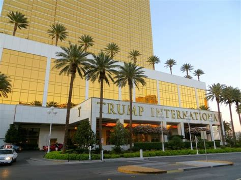 las vegas suites for 6 trump las vegas one bedroom hotel lobby picture of trump international hotel las