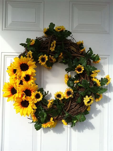summer wreath sunflowers are my favorite home decor