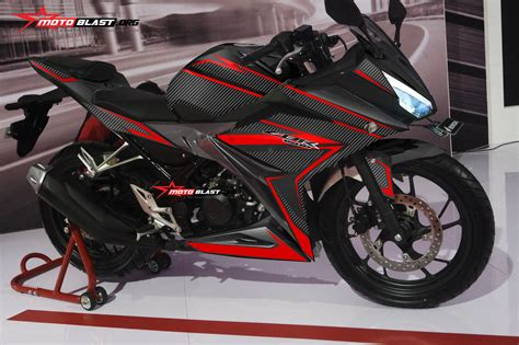 honda cbr 150 black modifikasi honda all new cbr150r black carbon