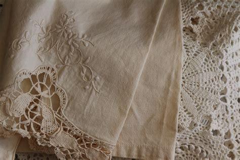 desain gaun renda gambar putih vintage pola renda linen dekorasi