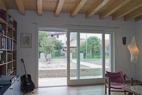 vetrate interne scorrevoli installare una vetrata scorrevole lavorare il vetro