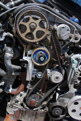Trotol Innova Bensin 2000cc Ori 1 inlocuire curea set distributie auto