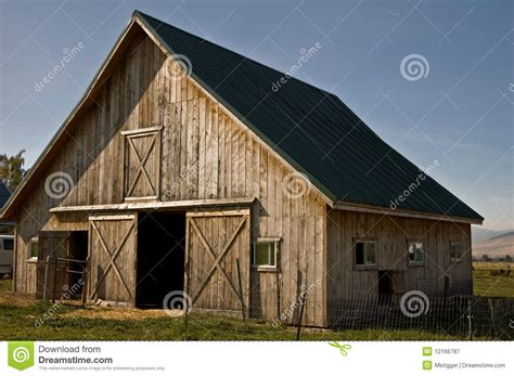 country barn plans country barn royalty free stock photography image 12166787