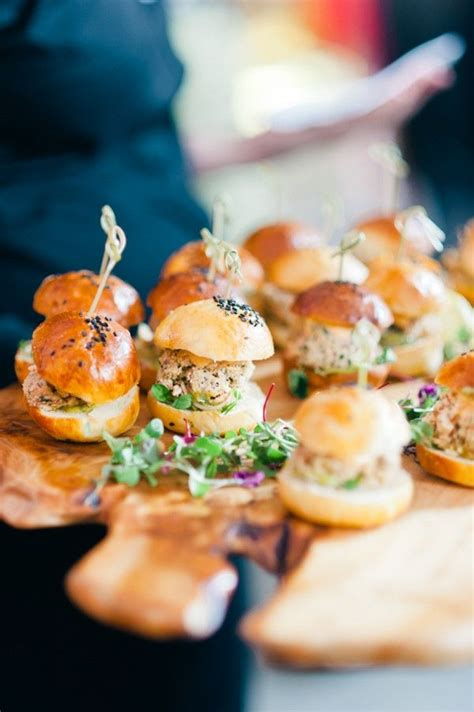 Serving At Your Wedding by How To Serve Burger At Your Wedding In Awesome Way Try
