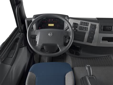 2014 volvo big volvo trucks 2014 interior www pixshark com images