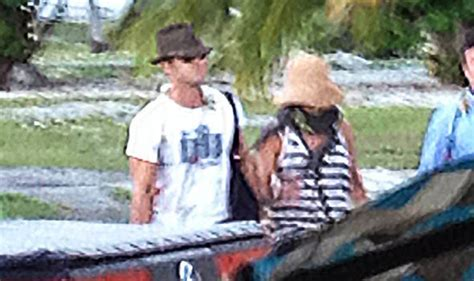 jennifer aniston and justin theroux jet off on honeymoon jennifer aniston and justin theroux jet into bora bora for