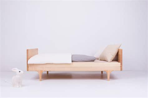 Futon Kinderbett by Caravan Divan Modern Solid Wood Toddler Bed Kalon