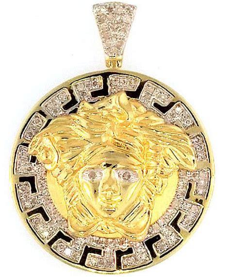 gold polished 0 50ct versace medusa pendant