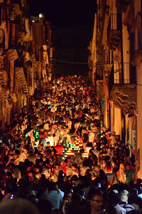 holidays and celebrations a year of festivals holidays and special events in italy