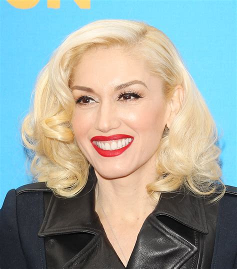 15 fair skinned celebrities that 10 celebrities who make being pale look damn good
