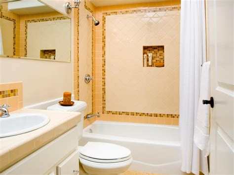 Bathroom Remodeling Ideas For Small Master Bathrooms by Choosing A Bathroom Layout Hgtv