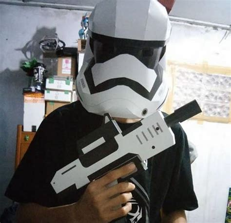 Stormtrooper Helmet Papercraft - wars the awakens wearable order
