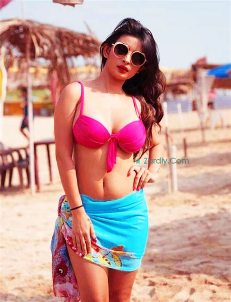 bikini actress of bollywood hottest bollywood actress and models photos and pictures