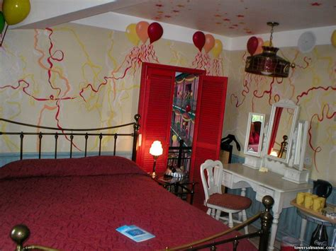 alton tower themed rooms alton towers almanac gallery celebration suite cocacolasuite05