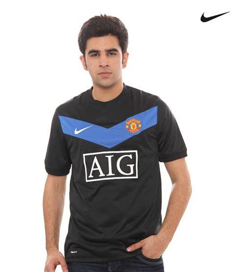 T Shirt Manchester United Nike Black 01 nike manchester united black t shirt 355093 010 buy nike manchester united black t shirt