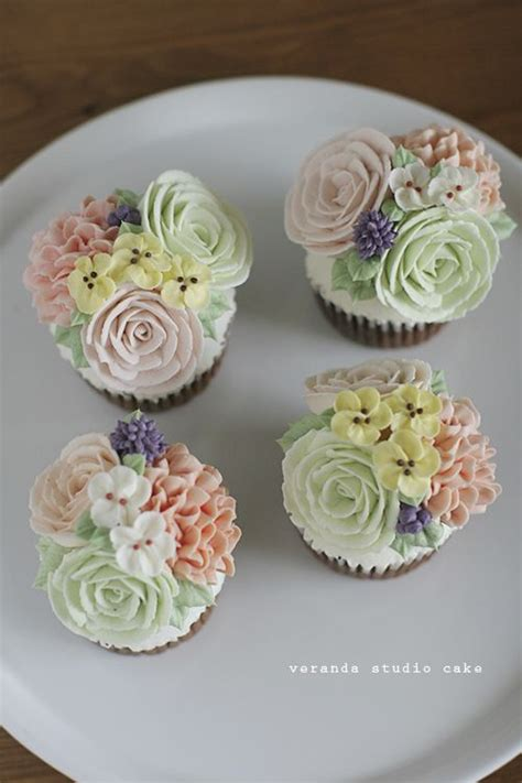 Wedding Cupcake Decorations by 17 Images About Beautiful Wedding Cupcake Ideas On