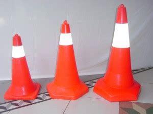 Traffic Cone Base Hitam 90 Cm 911 traffic cone