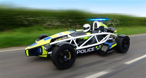 Schnellste Autos 0 200 by Das Schnellste Polizeiauto Der Welt Ist Der Komplette