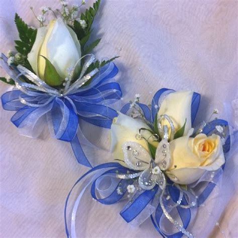 blue corsages for prom blue white prom boutonniere corsage prom corsage boutinnere s