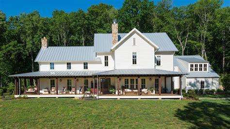 Modern Farmhouse Ranch Miley Cyrus Buys Stunning 5 7 Million Tennessee Farmhouse