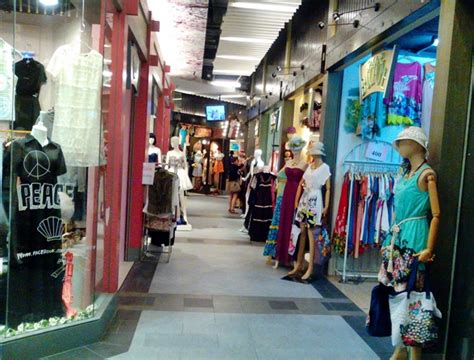 best s clothing stores at terminal 21 mall in