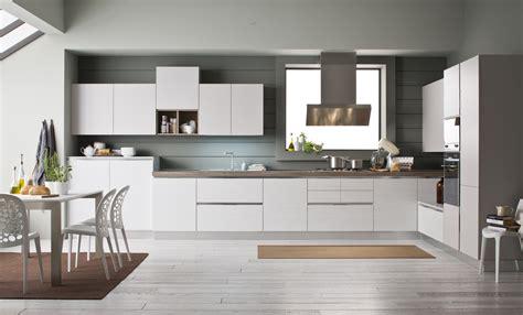 ad cucine scegli una cucina ad angolo ed ogni centimetro sar 224 ben