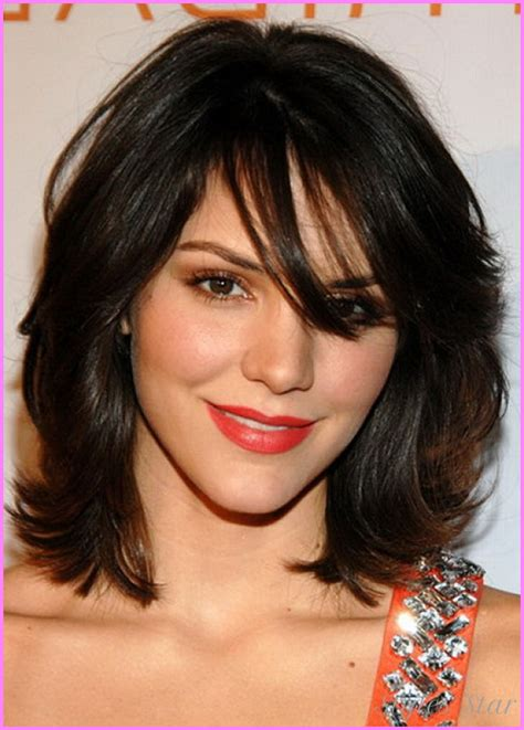 above shoulder length hairstyles above the shoulder haircuts with side bangs for women