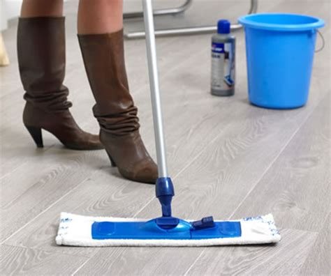 laminate floor cleaning tools best laminate flooring ideas