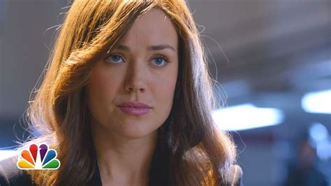 is liz in blacklist wearing a wig megan boone as elizabeth keen the blacklist nbc 2013