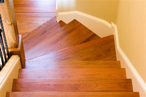 Treppe Lackieren Wie Oft holztreppe 246 len oder lackieren 187 so wird s gemacht