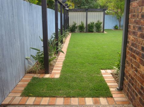 Landscape Edging Brick Design Brick Garden Edging Would Do The Whole Thing In Recycled