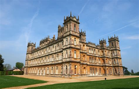 visit downton abbey s highclere castle for a christmas ball cond 233 nast traveler