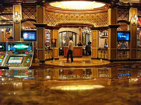 bobbys room takes high stakes poker   level