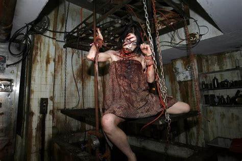 the cult haunted house 19 ภาพส ดสยองจาก quot บ านผ ส ง